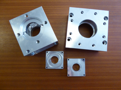 Bearing and seal housing for gearbox